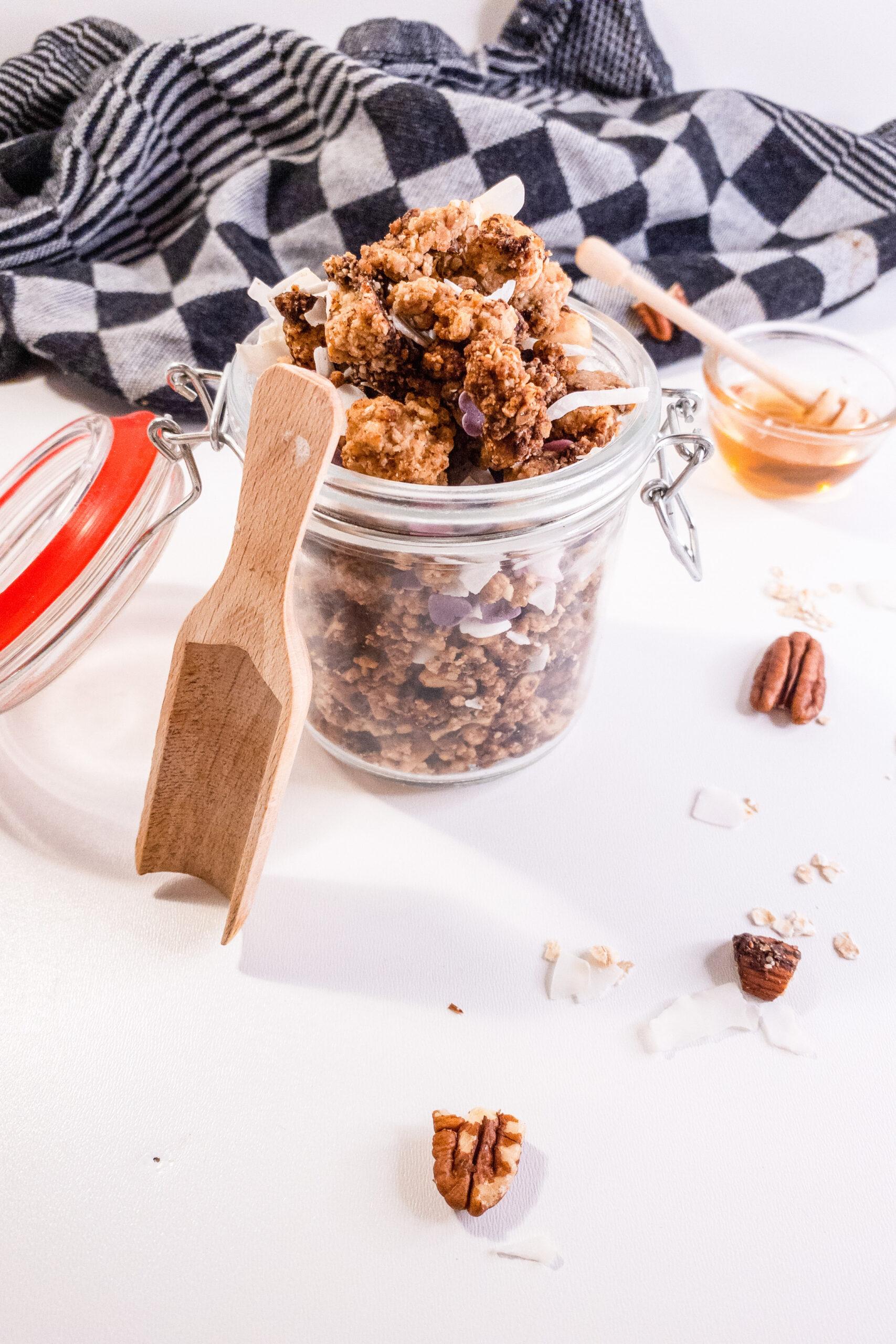 Crunchy monkey granola