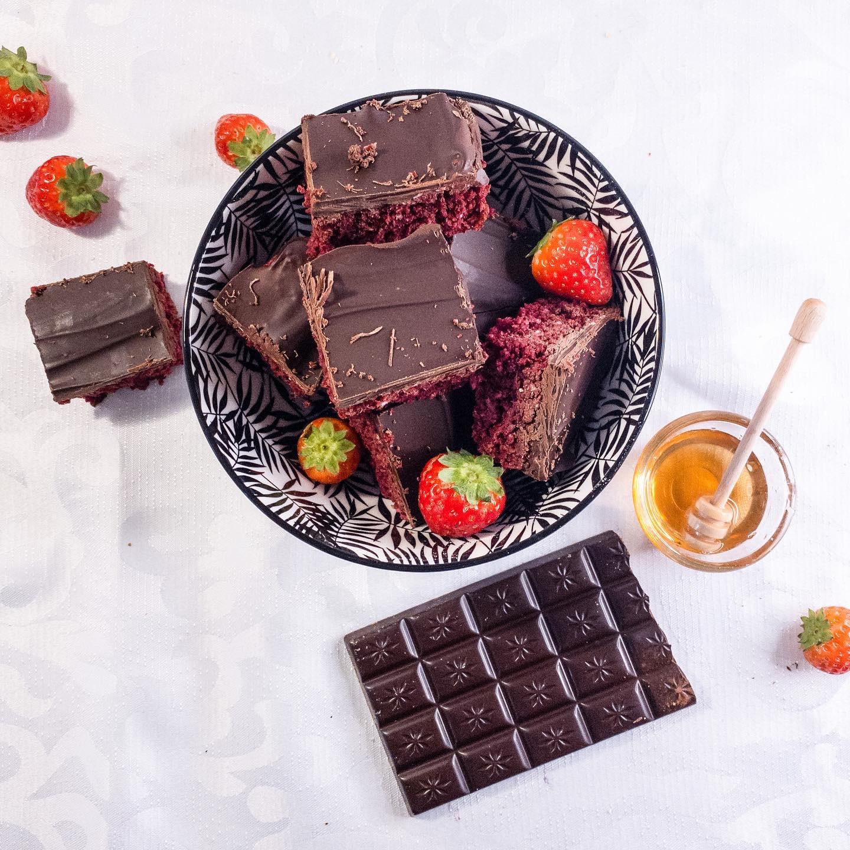 Healthy redvelvet brownie
